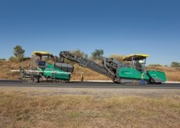 South African site demonstrates the VÖGELE MT 3000-2 Offset PowerFeede