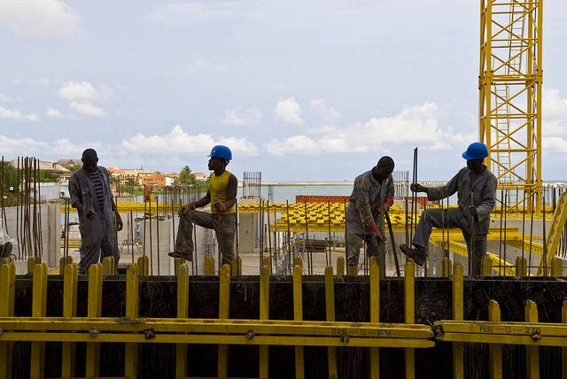 construction africa workers worldbank FLICKR