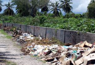 Maldives Trash - Shafiu Hussain - Flickr