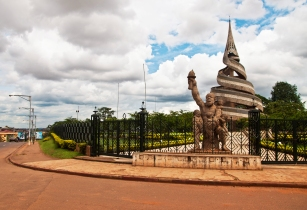 Monument de la reunification Yaounde 03