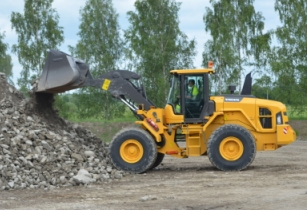 Volvo launches new wheel loader for Africa