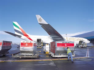 EmiratesAirburs3302002090