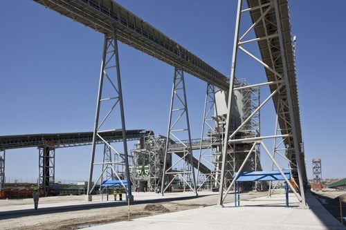 Picture_3_of_the_Mogalakwena_Mine_Copyright_ABB._Platinum_ore_is_conveyed_from_the_feed_silos_to_the_primary_crusher