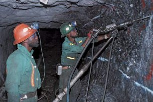 Mining, risks, Africa, South AFrica, risk, illness, legal, ownership, mine, mining