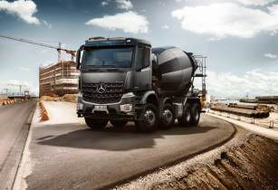 Mercedes-Benz launches the all-new Actros and Arocs for